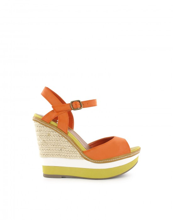 Catch of the day: Colorful Gucci lookalike wedge