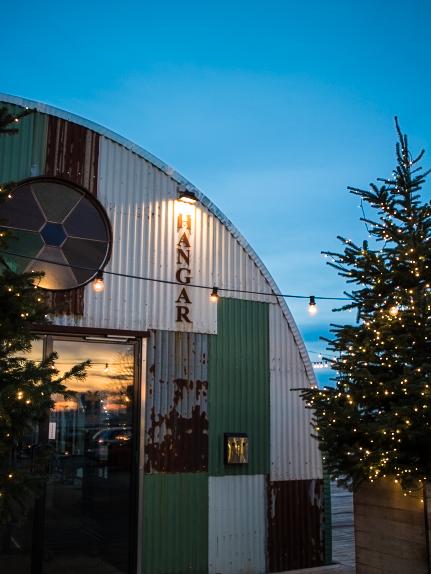 hangar_buiten_kerst
