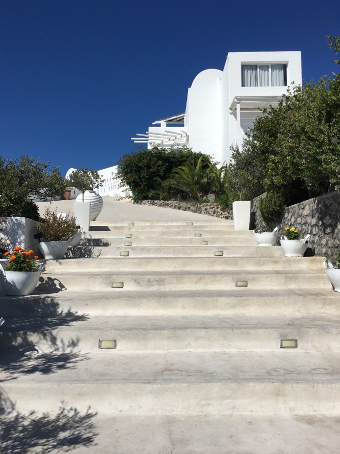 Santorini_Rocabella_stairs_entrance