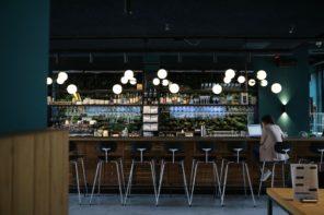 Yes! Het Conscious Hotel Westerpark en Bar Kantoor zijn open!